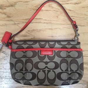New with Tag Khaki and Vermillion M Wristlet Coach